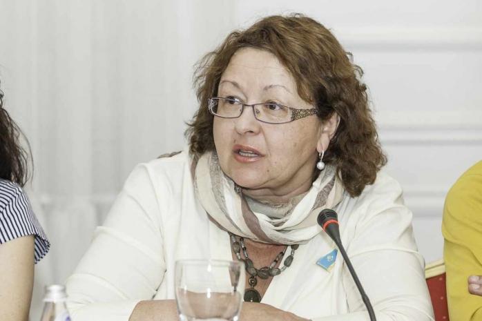Если акимам нравятся субботники, пусть сами выходят вместо учителей, - депутат Смирнова