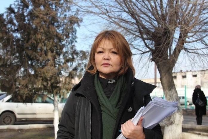 На мать изнасилованного подростка в поселке Абай оказывают давление – Айман Умарова