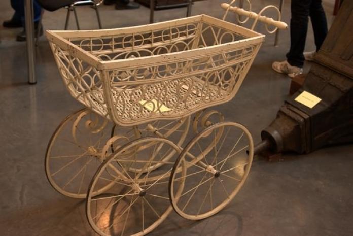 Картинки по запросу коляска королевы виктории