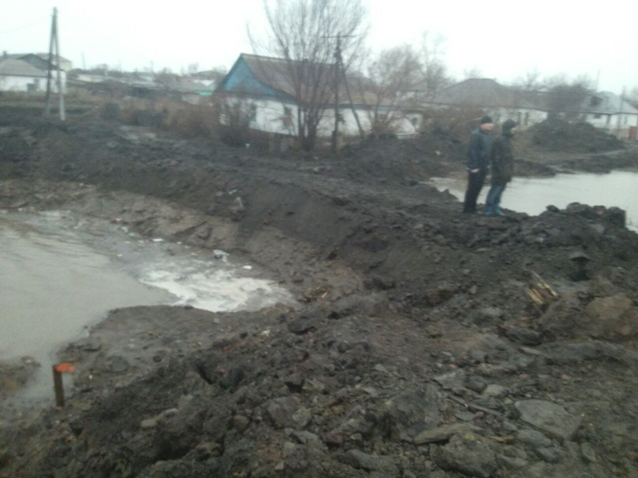 ВКазахстане прорвало дамбу, затоплен город Атбасар